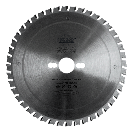Dry cutting blade for ferrous metals